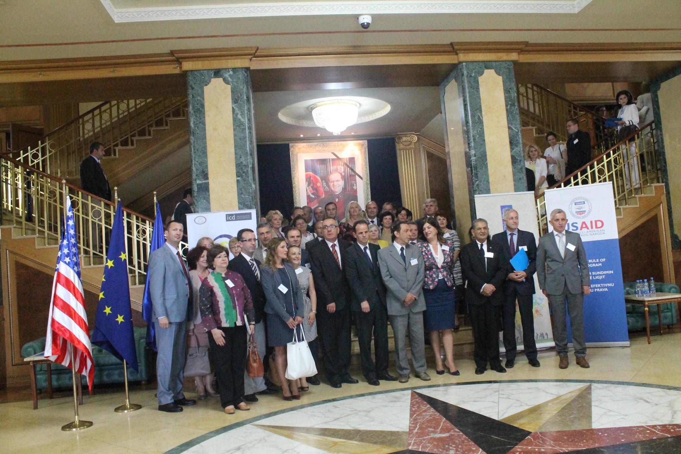 """U mbajt dita e parë e """"Samitit të Kosovës për të drejtën ndërkombëtare dhe të drejtat e njeriut 2015"""""""