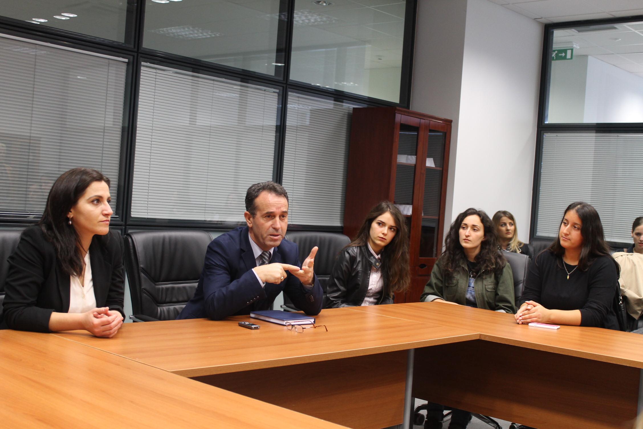 Studentët e Fakultetit Juridik vizitojnë Pallatin e Drejtësisë