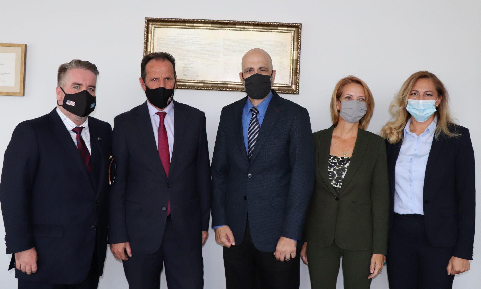 Kryetari i Gjykatës Supreme nderon me mirënjohje ekspertët e Ambasadës Amerikane, për kontributin në Politikën Ndëshkimore